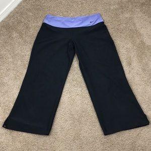 ☀️Nike Cropped Loose Yoga Pants